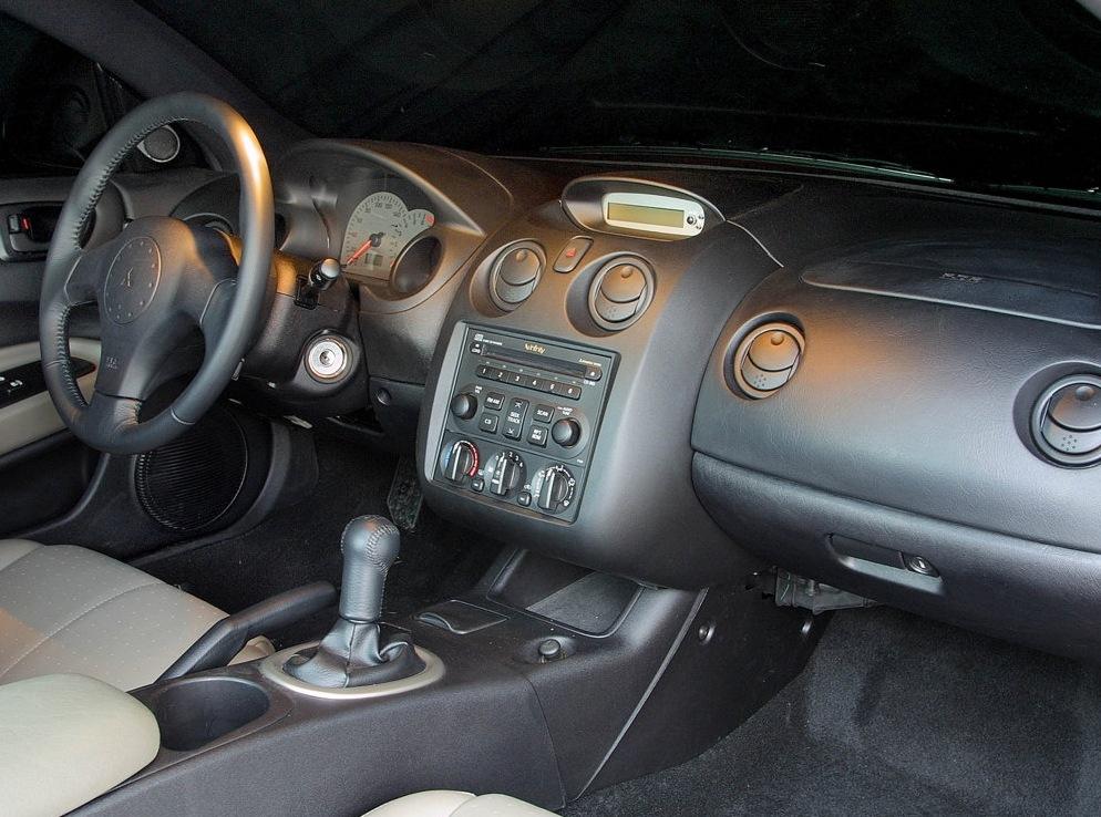 Снимки: Mitsubishi Eclipse III (D30)