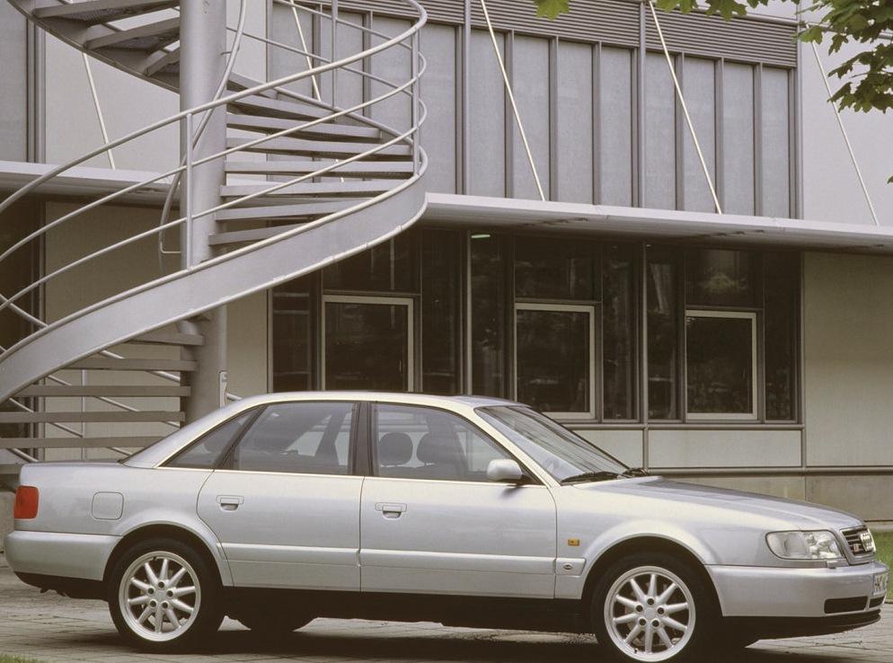 Снимки: Audi S6 (4A,C4)