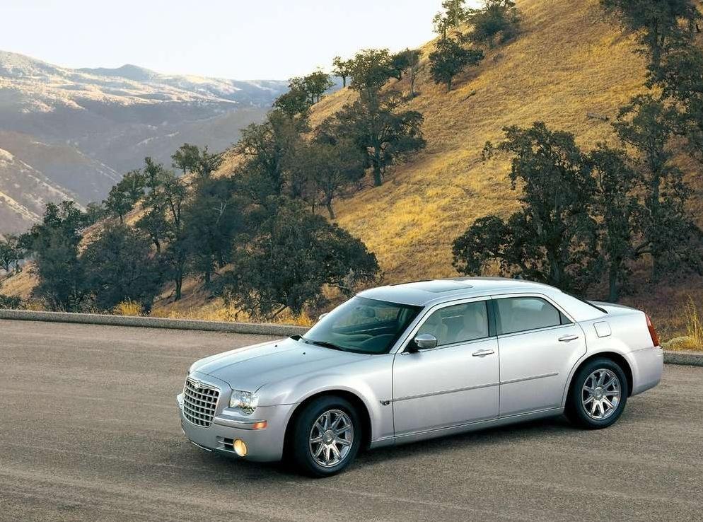 Снимки: Chrysler 300C