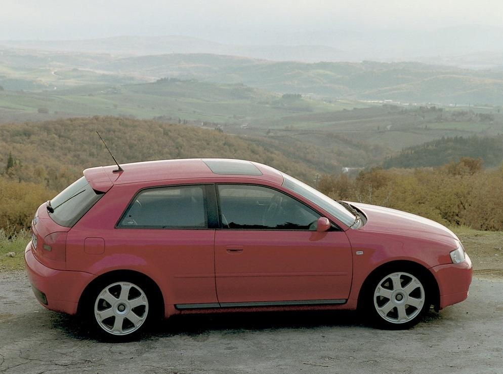 Снимки: Audi S3 (8L)