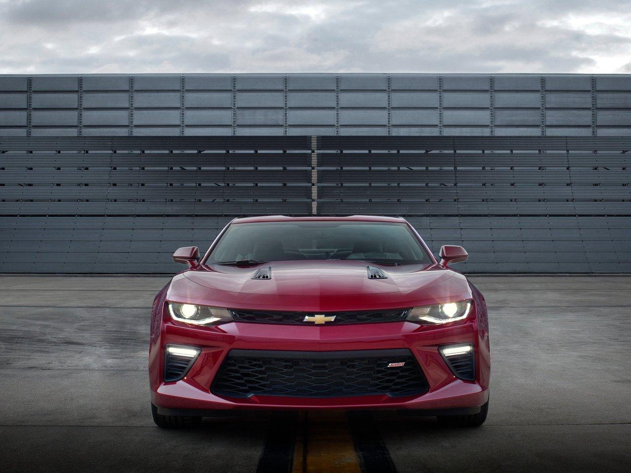 Снимки: Chevrolet Camaro VI