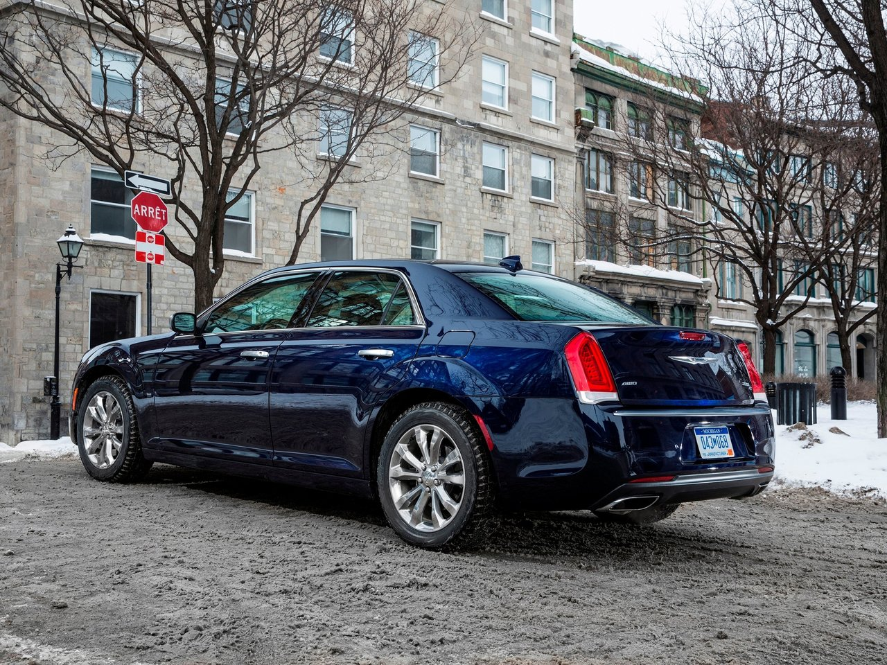 Снимки: Chrysler 300C 2011