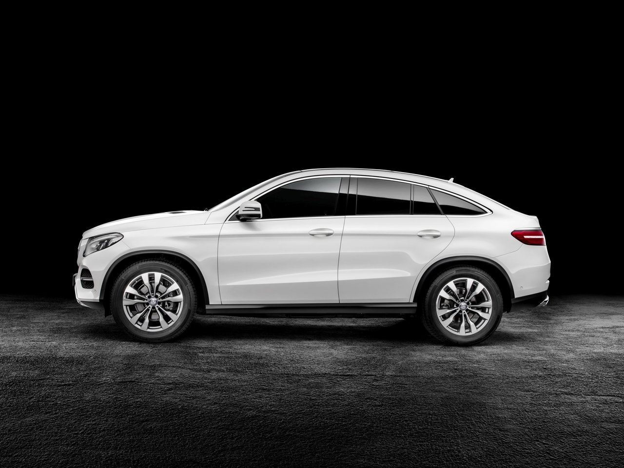 Снимки: Mercedes-benz GLE Coupe