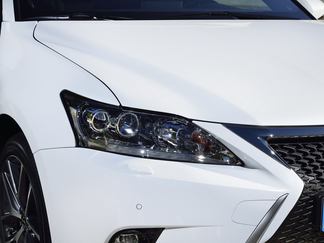 Снимки: Lexus CT 200h Facelift