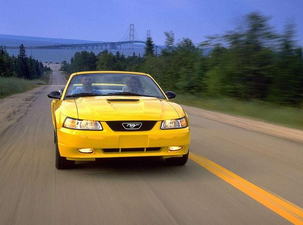 Снимки: Ford Mustang 4