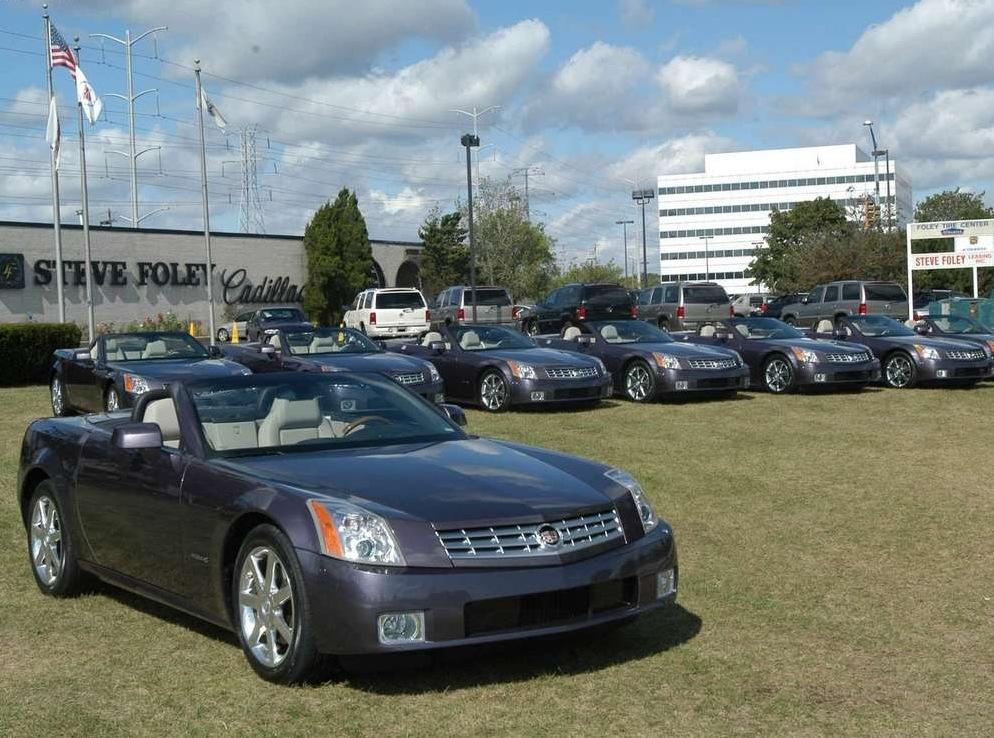 Снимки: Cadillac XLR