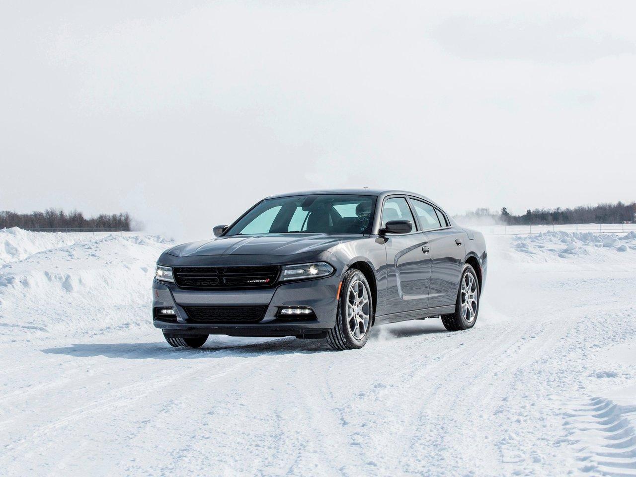 Снимки: Dodge Charger VI