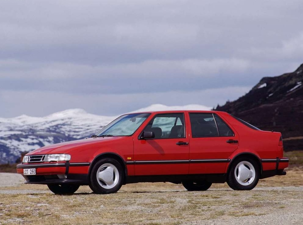 Снимки: Saab 9000 Hatchback