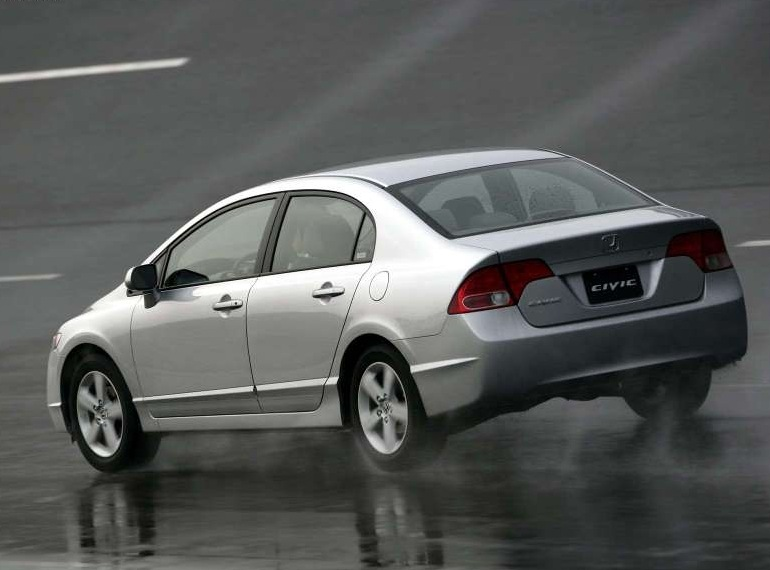 Снимки: Honda Civic Sedan 8