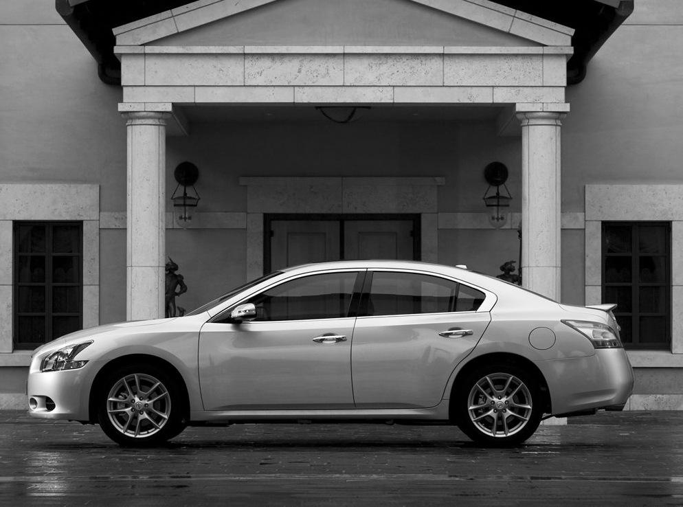 Снимки: Nissan Maxima 2009