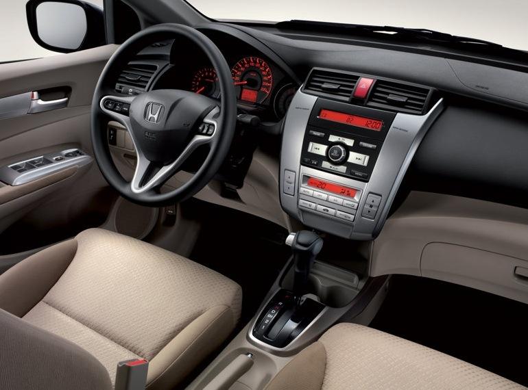 Снимки: Honda City Sedan