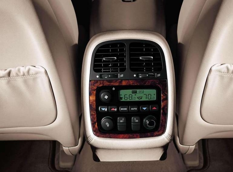 Снимки: Jaguar XJ (X350/NA3)