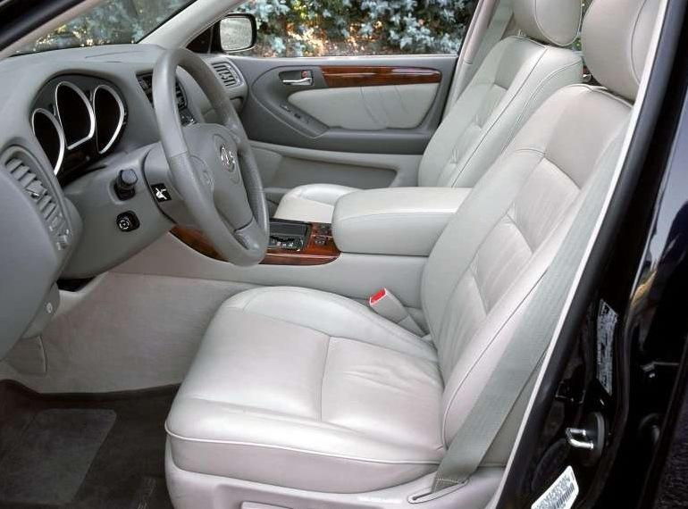Снимки: Lexus GS 2