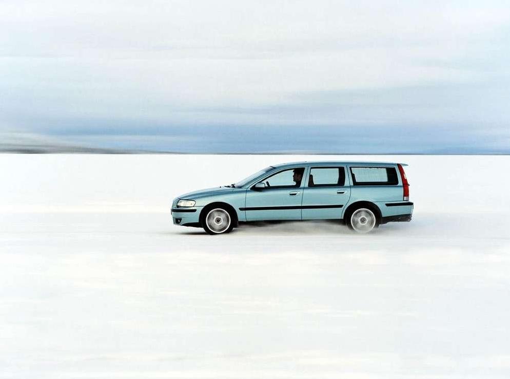 Снимки: Volvo V70 II