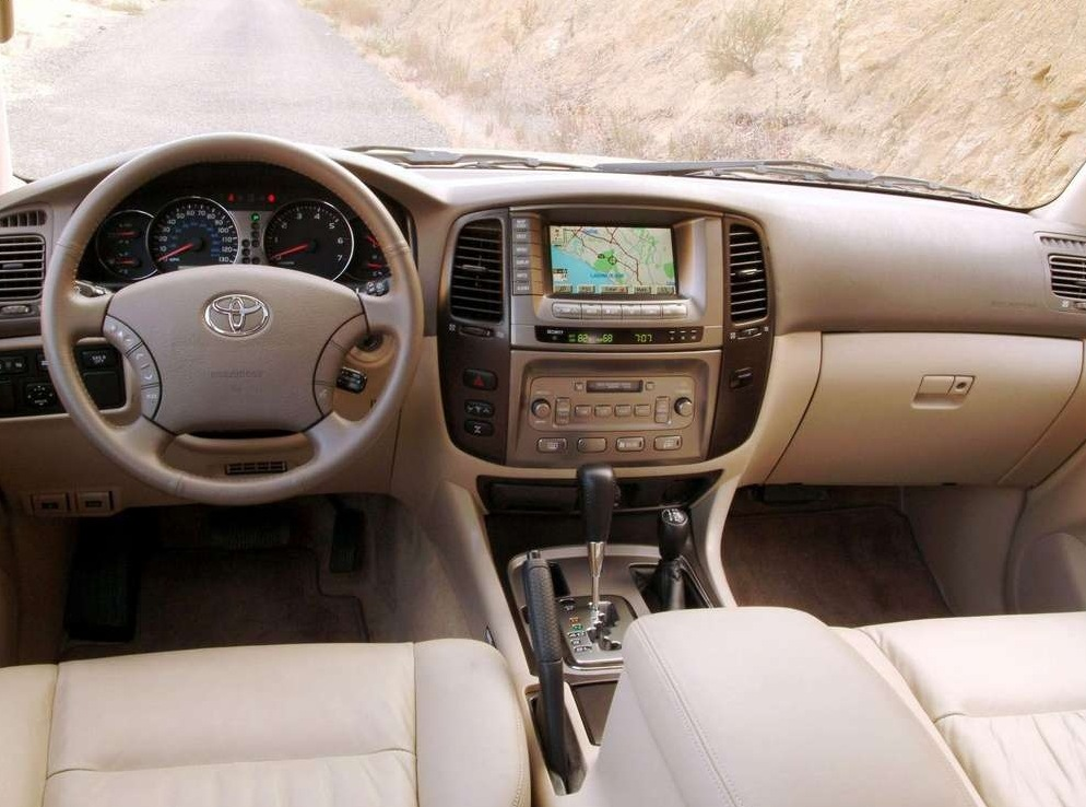 Снимки: Toyota Land Cruiser 100 J10
