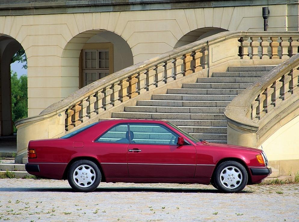 Снимки: Mercedes-benz E-klasse Coupe (C124)