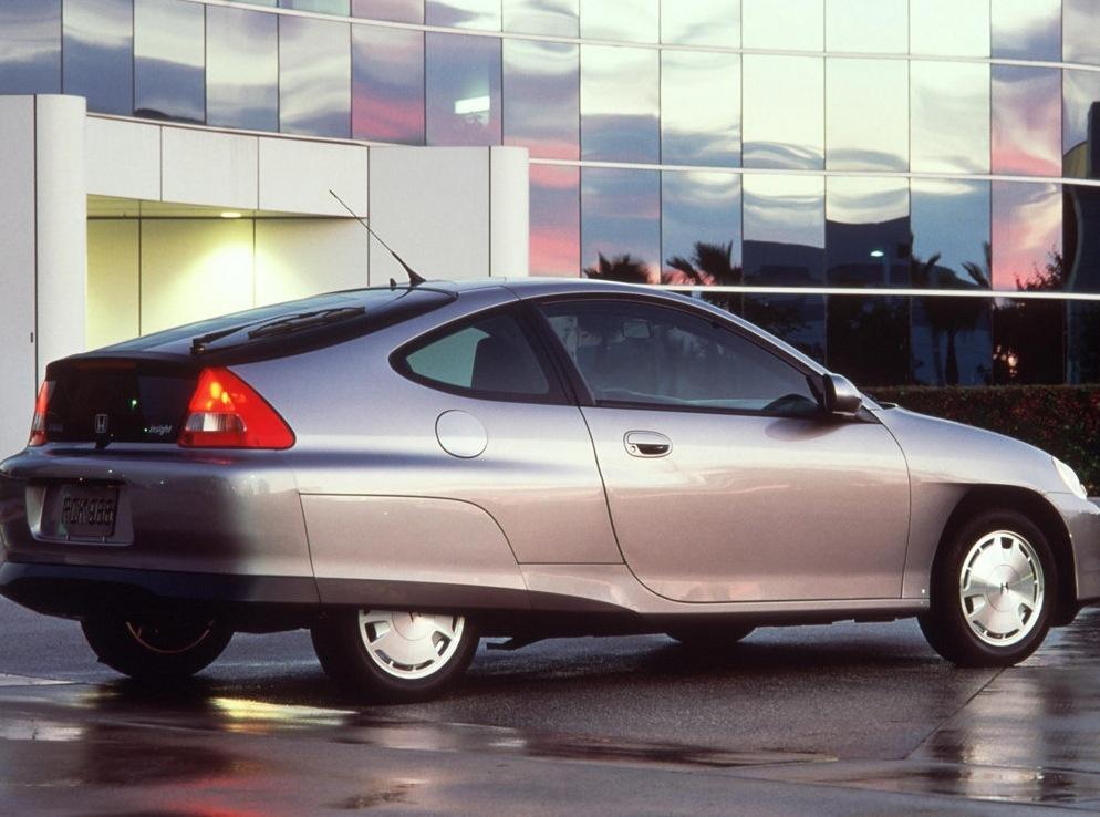 Снимки: Honda Insight