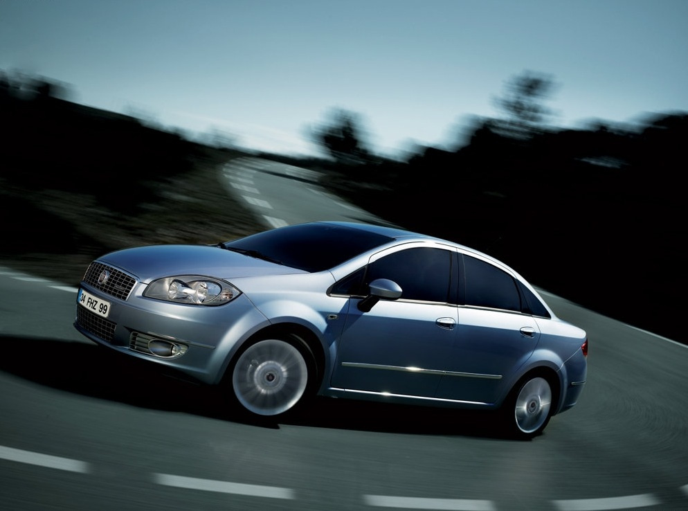 Снимки: Fiat Linea