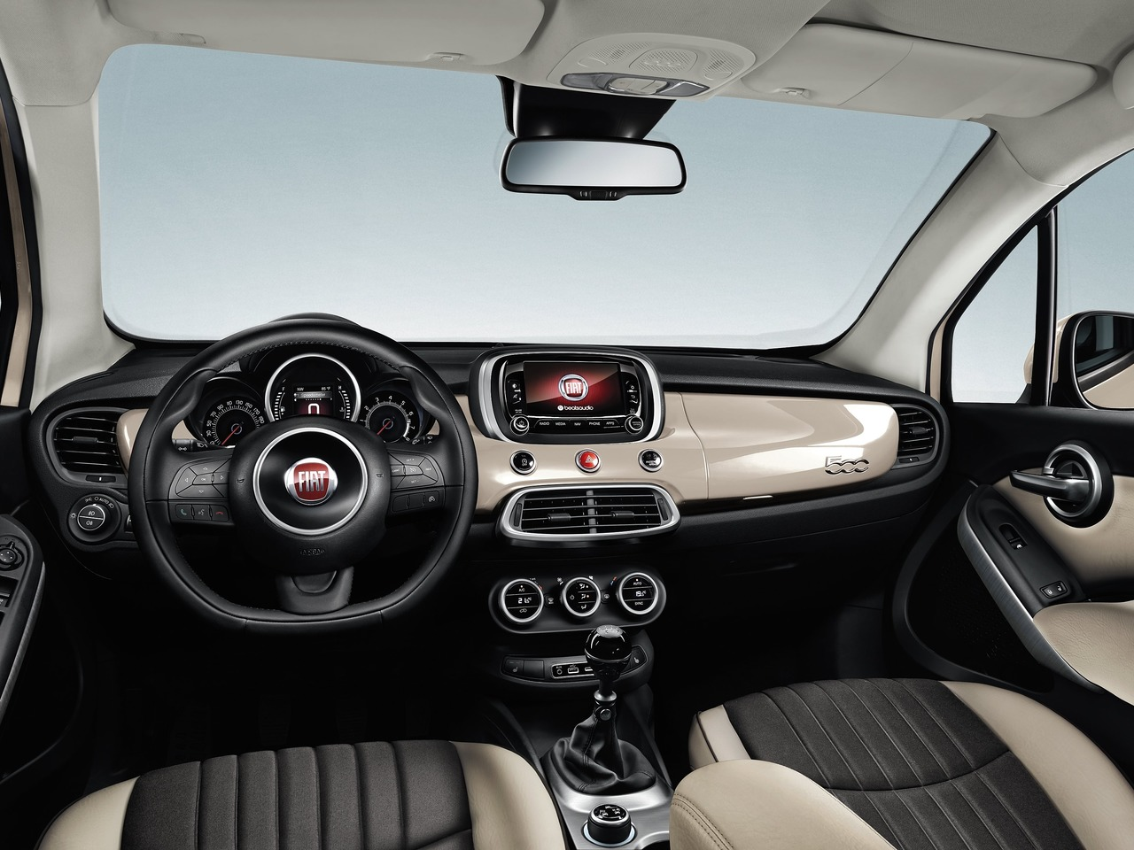 Снимки: Fiat 500X