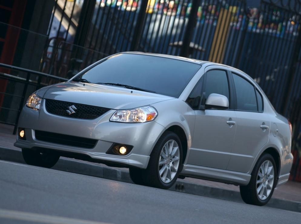 Снимки: Suzuki SX4 Sedan