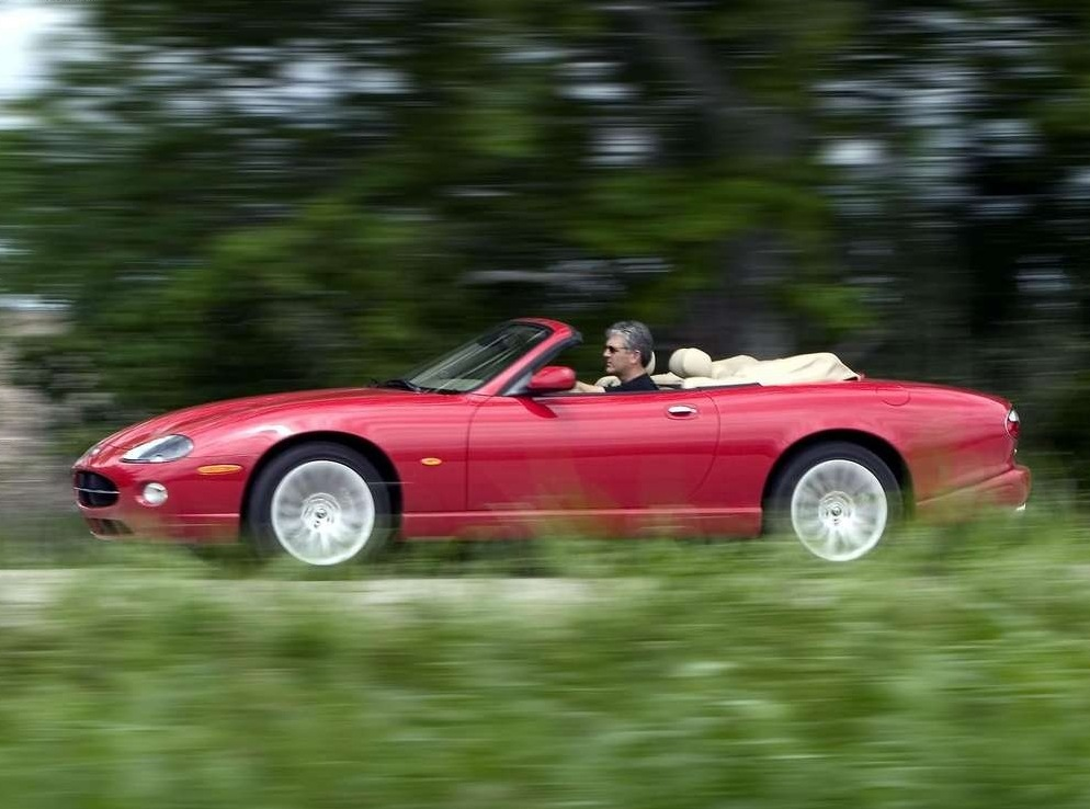 Снимки: Jaguar XK 8 Convertible (QDV)