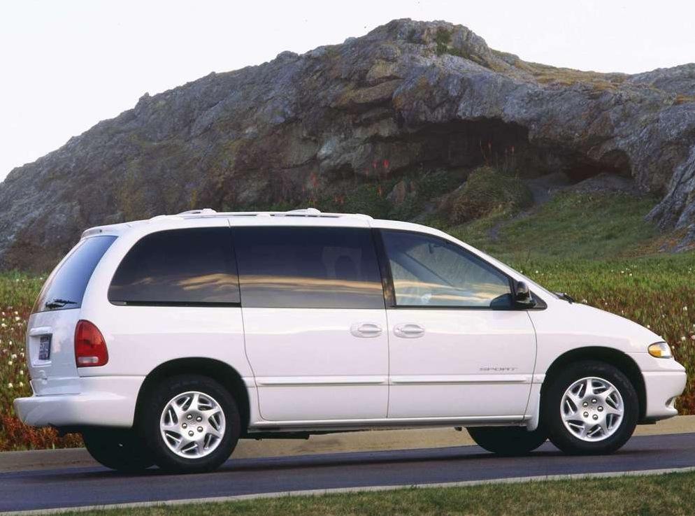 Снимки: Dodge Caravan III