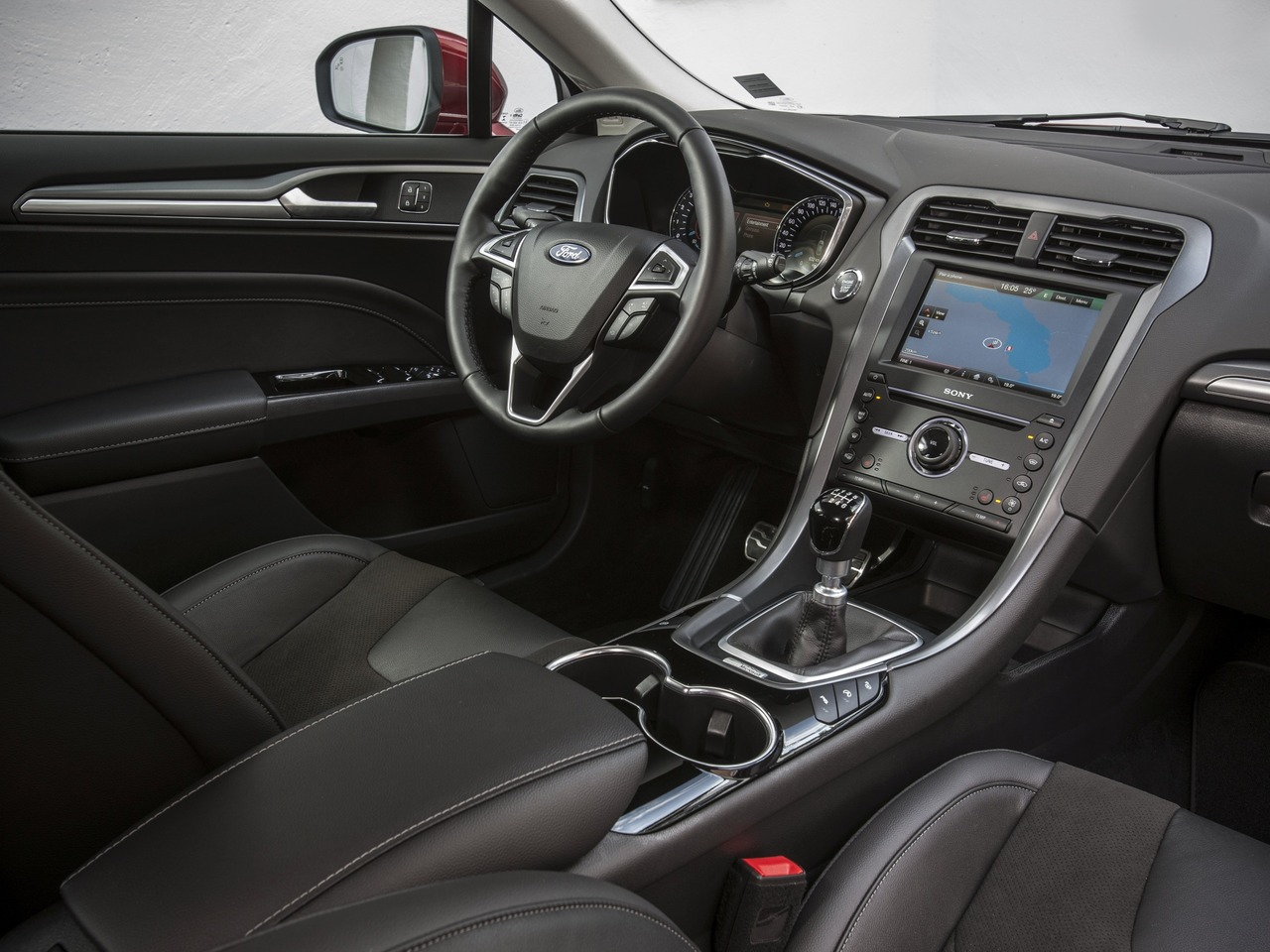 Снимки: Ford Mondeo V