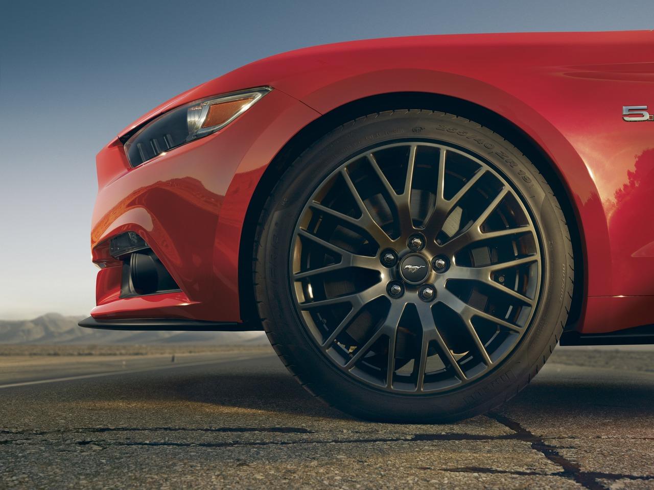 Снимки: Ford Mustang VI