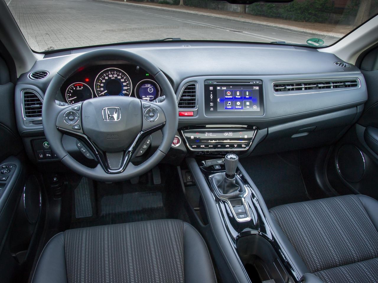 Снимки: Honda HR-V II