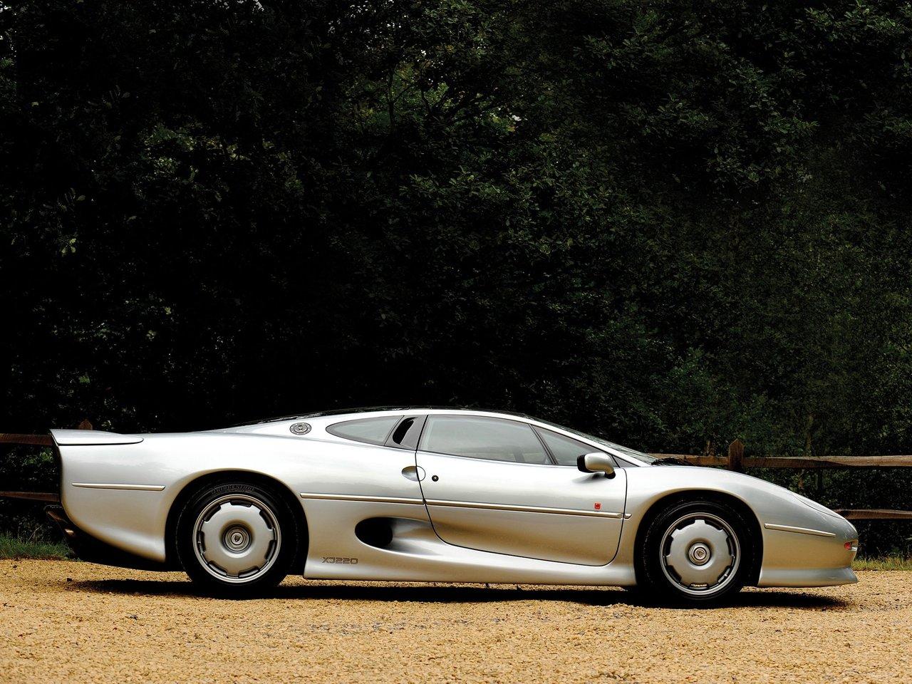 Снимки: Jaguar XJ220