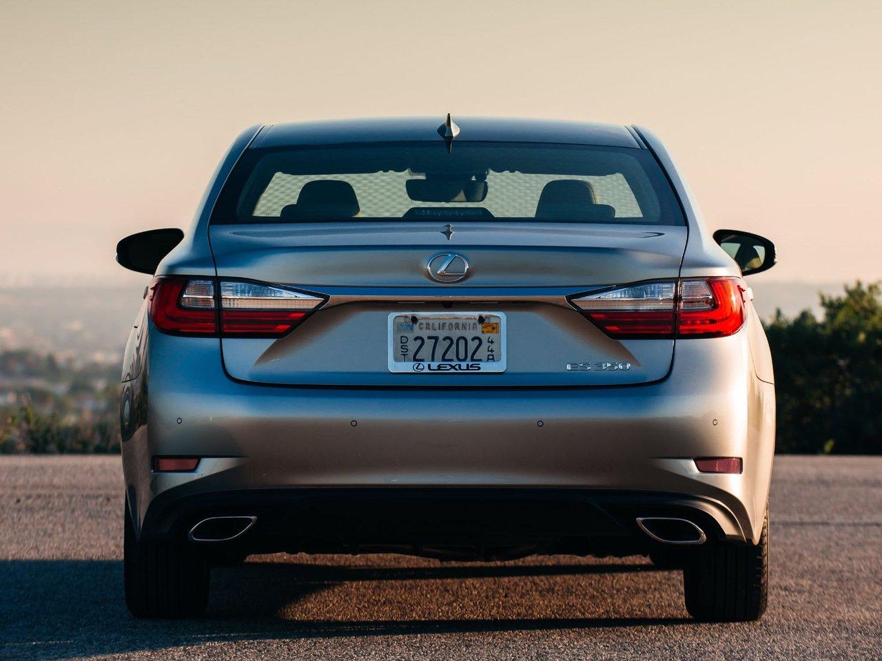 Снимки: Lexus ES 6