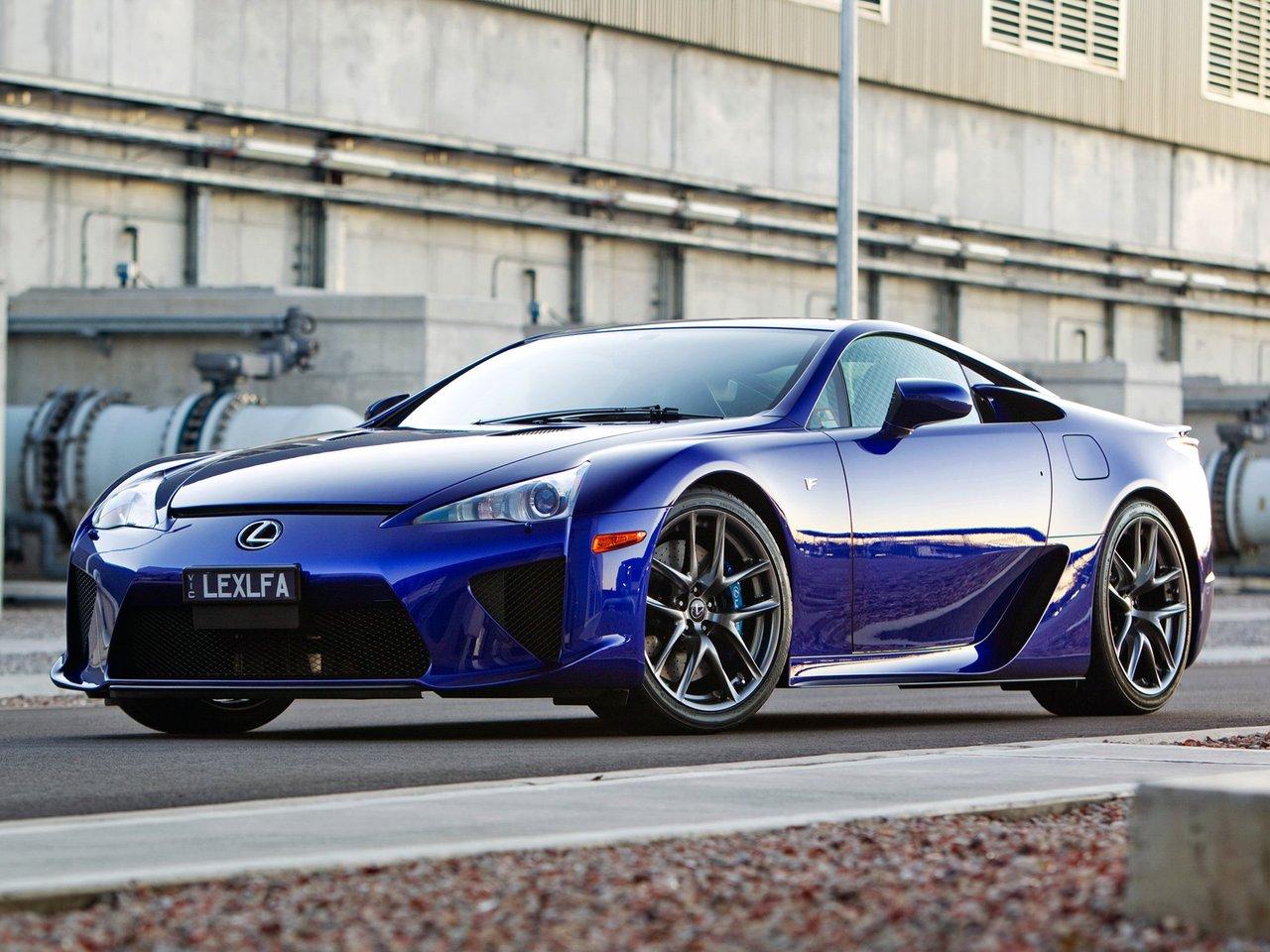 Снимки: Lexus LFA