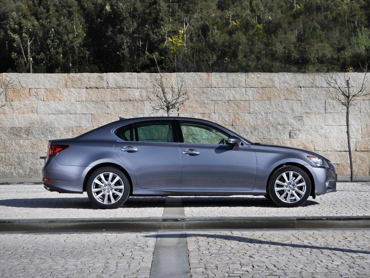 Снимки: Lexus GS 4