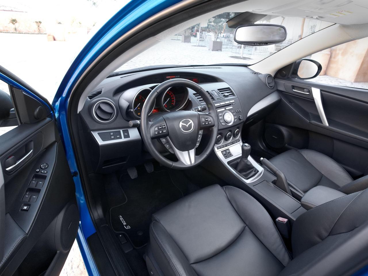 Снимки: Mazda Mazda 3 II Sedan