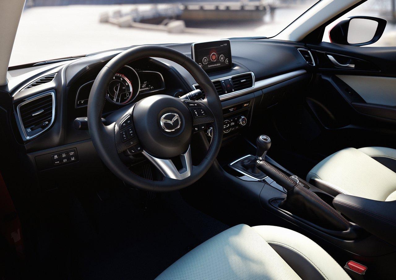 Снимки: Mazda 3 III