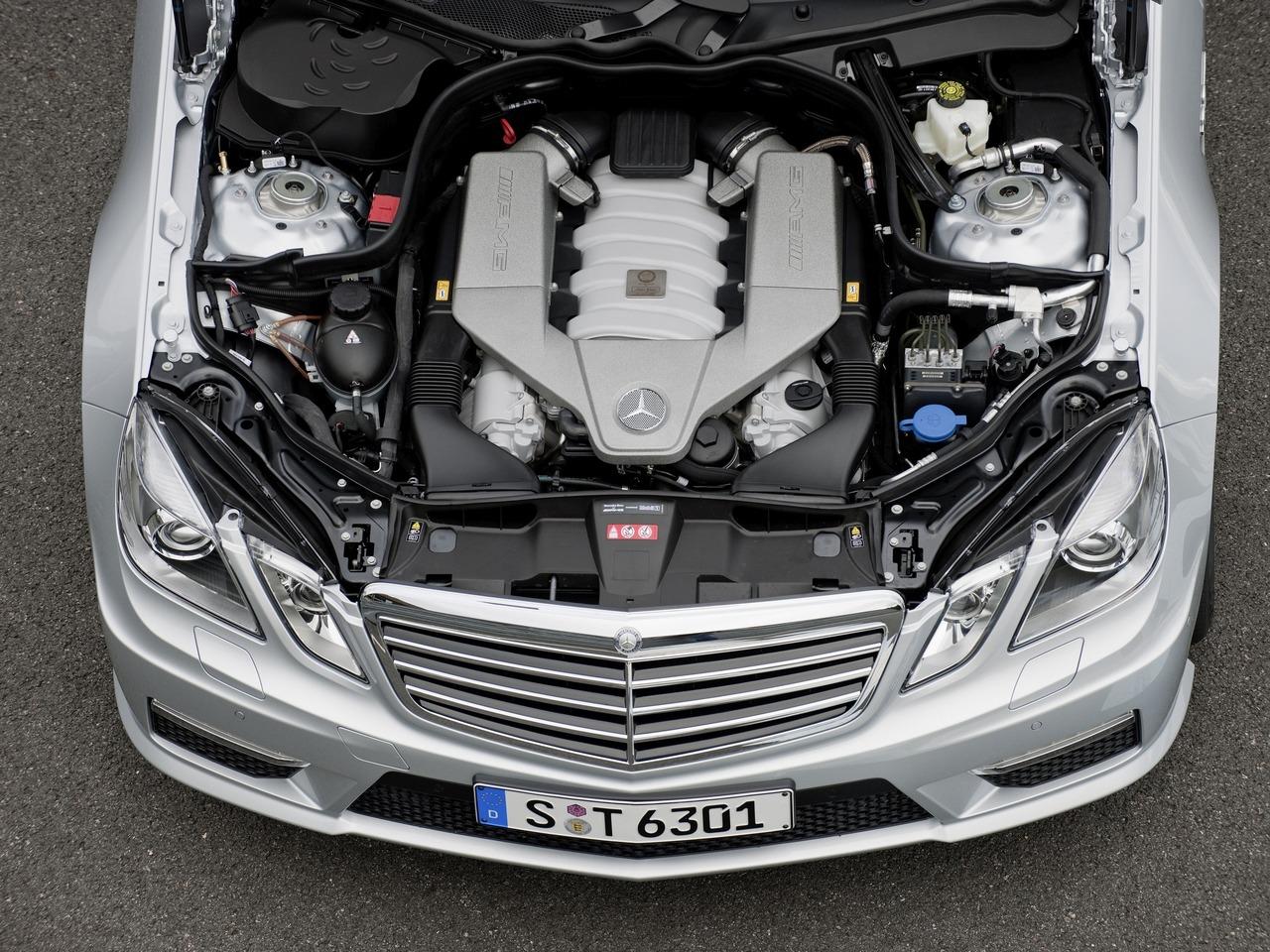 Снимки: Mercedes-benz E-klasse AMG T-mod (W212)