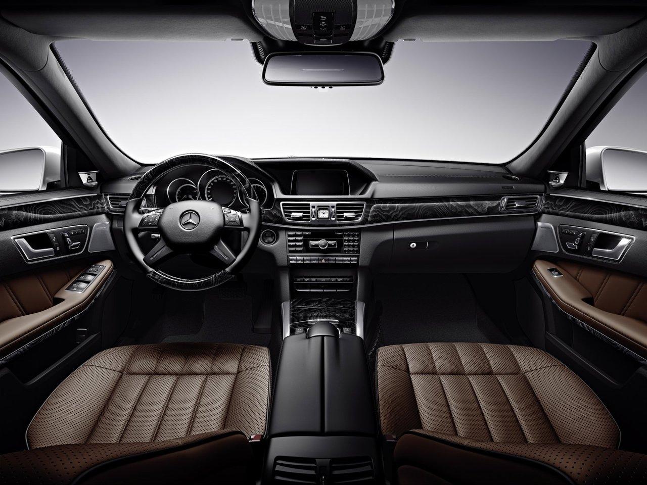 Снимки: Mercedes-benz E-klasse T-mod (S212) Facelift