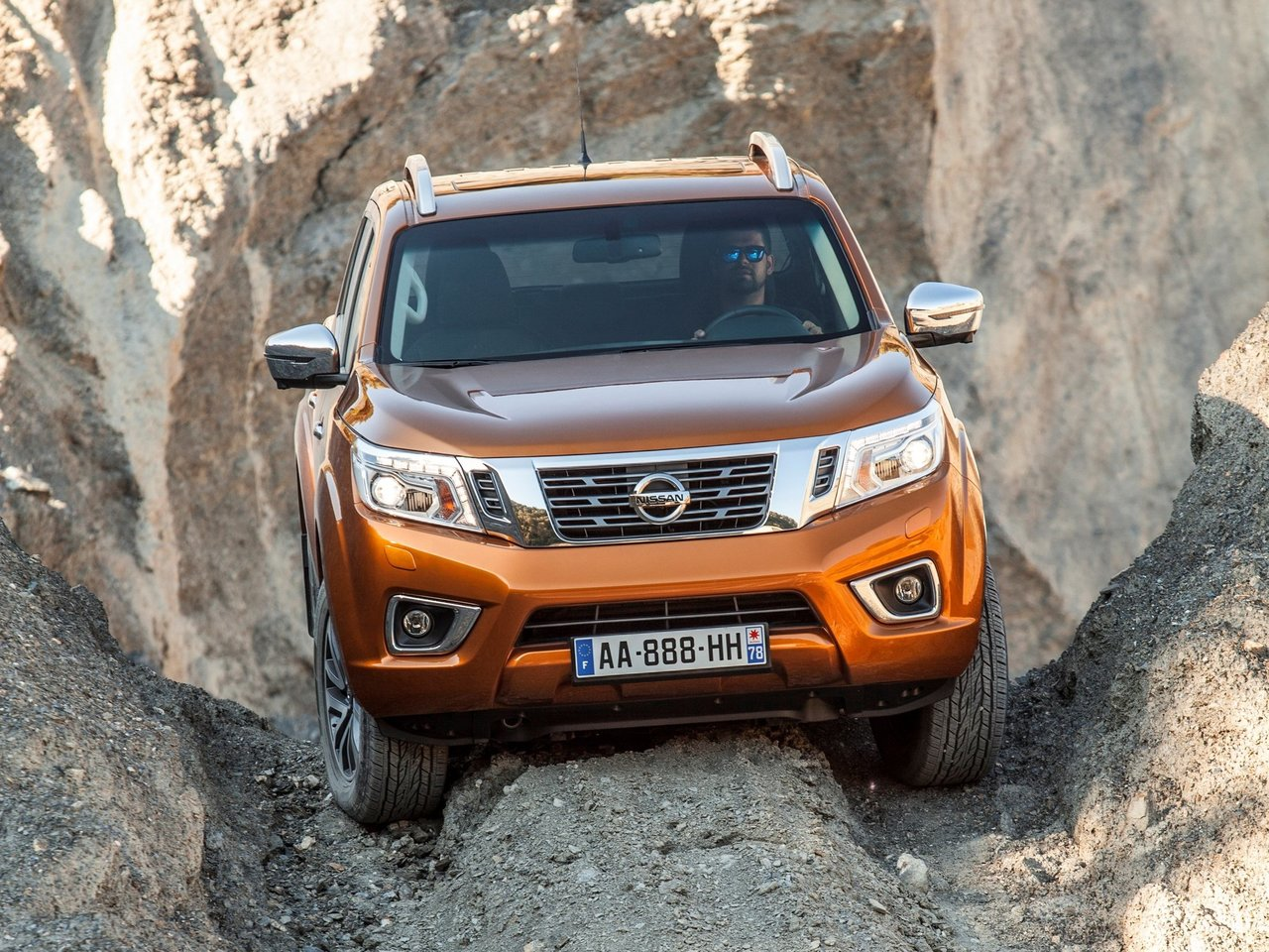 Снимки: Nissan Navara (D23)