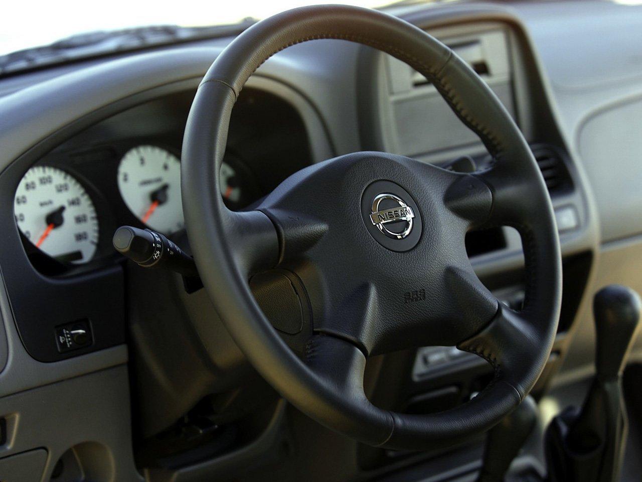 Снимки: Nissan Navara NP300 (D22)
