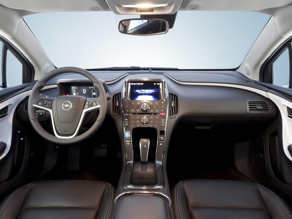 Снимки: Opel Ampera