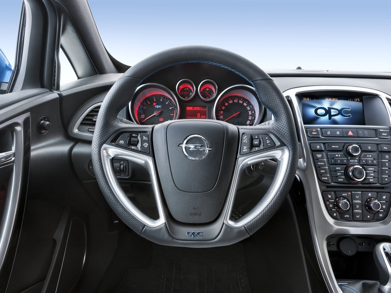 Снимки: Opel Astra J OPC
