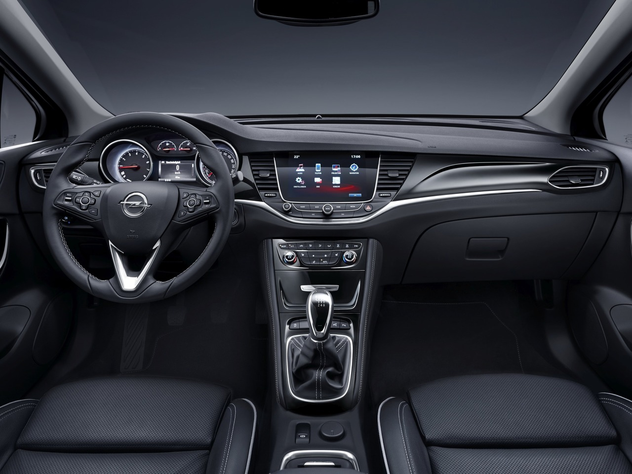 Снимки: Opel Astra K