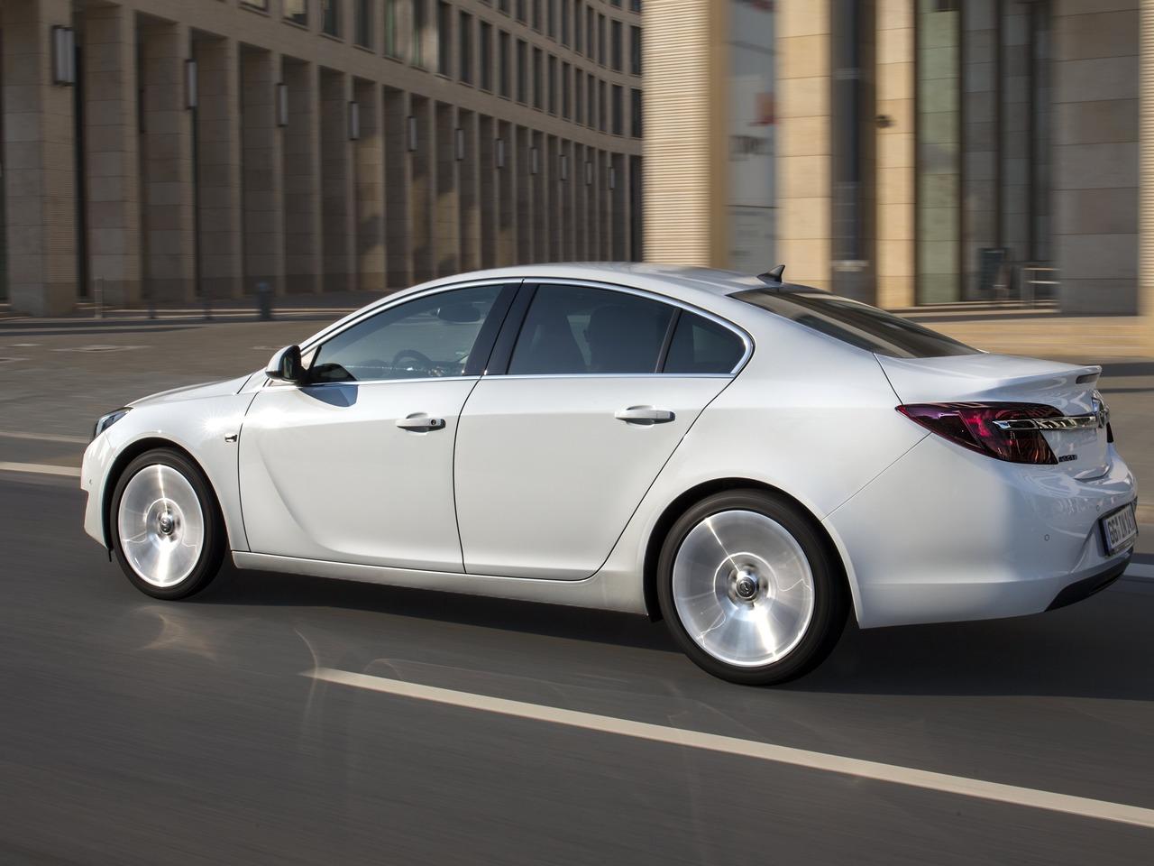 Снимки: Opel Insignia Sedan