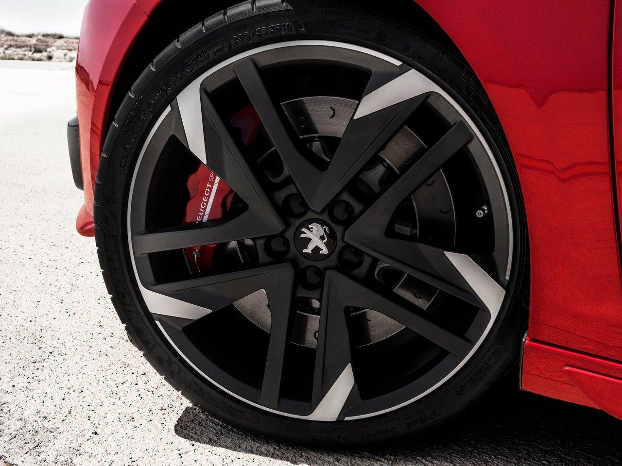 Снимки: Peugeot 308 II