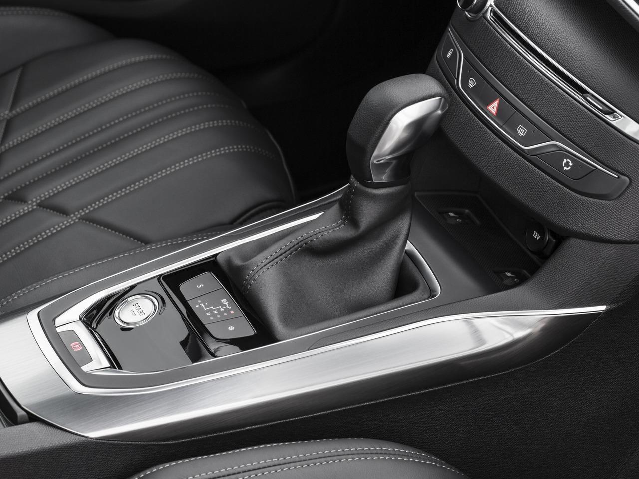 Снимки: Peugeot 308 II SW