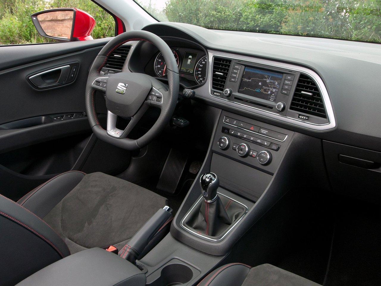 Снимки: Seat Leon III
