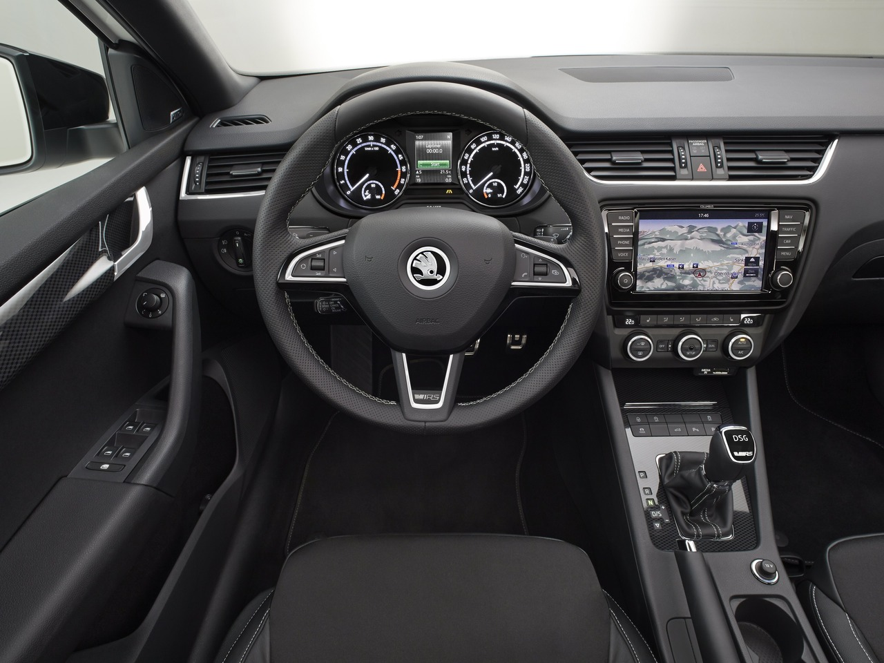 Снимки: Skoda Octavia RS III