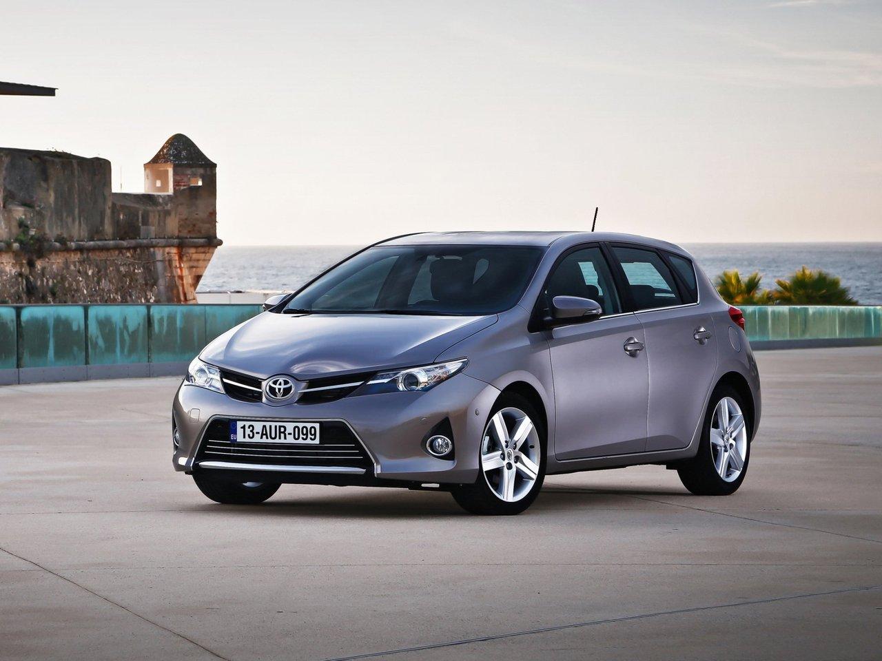 Снимки: Toyota Auris 2