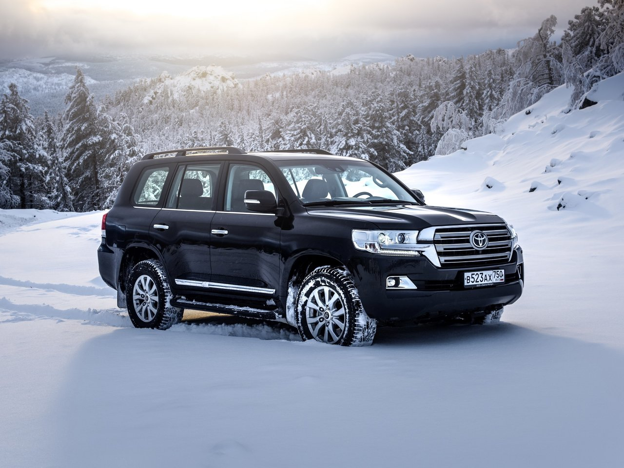 Land Cruiser 200 Facelift 2015