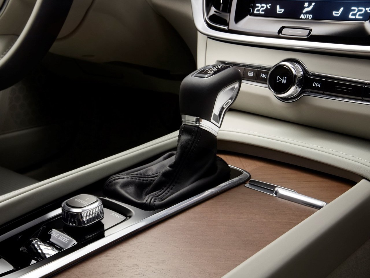 Снимки: Volvo S90 II